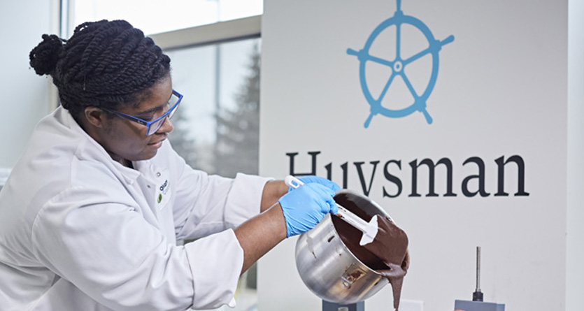 Testing applications of Huysman cocoa powder in innovation centre, Bolingbrook, Olam.